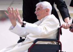 You're 'Fanatical', Pope Emeritus Benedict Upbraids Catholics Who Reject His Resignation